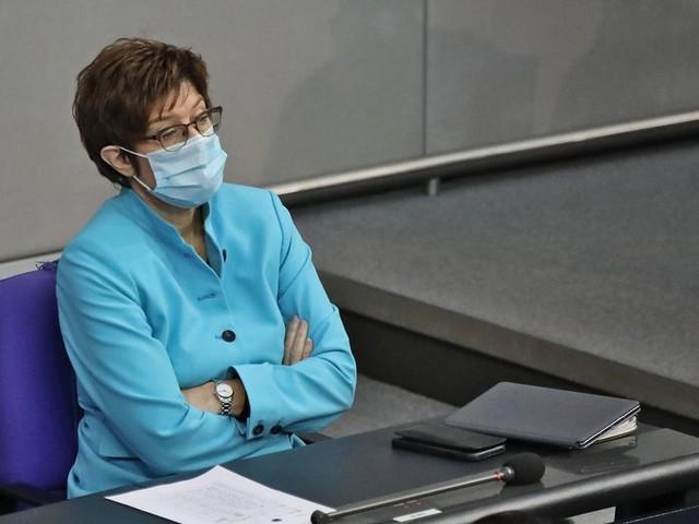 Munitions-Amnestie beim KSK: Druck auf Kramp-Karrenbauer steigt