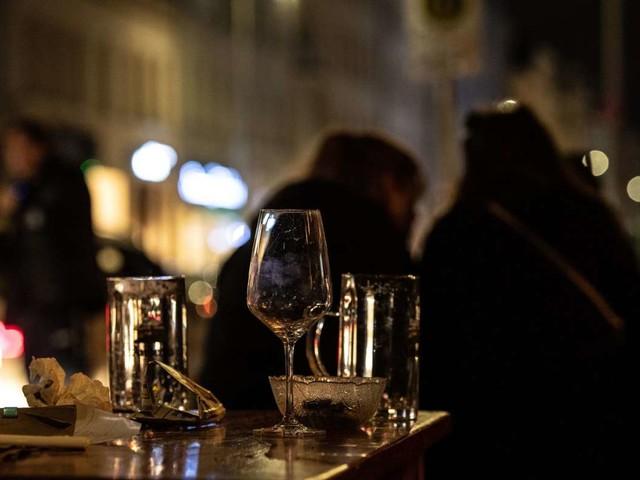 Gastronomie in der Corona-Krise: Gaststättenbetreiber wollen gegen Sperrstunde klagen