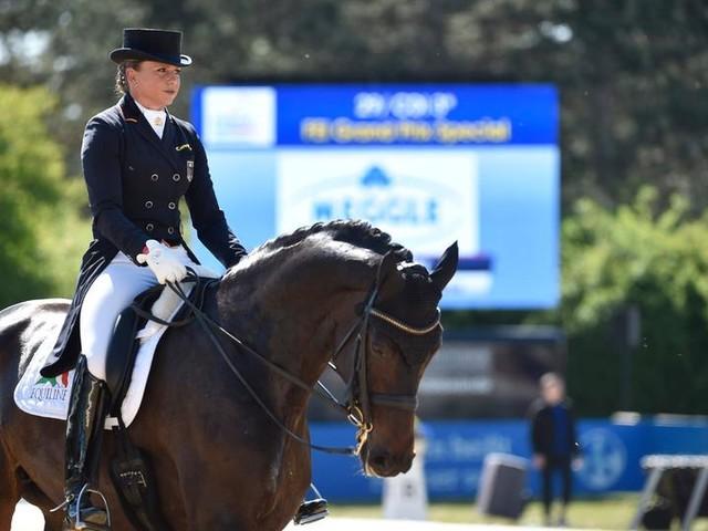 Stute von Olympiasiegerin Schneider verstorben: Ein totes Pferd und viele Fragen