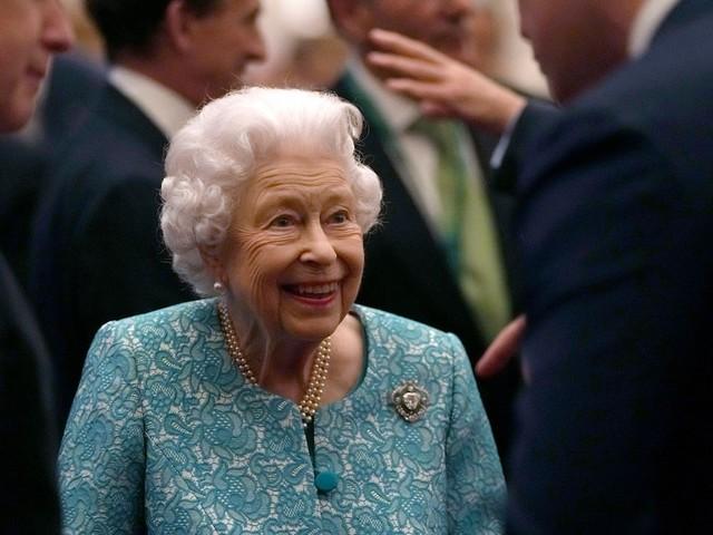 Reise zu gefährlich? - Queen Elizabeth II. sagt Nordirlandreise aus Gesundheitsgründen ab - Insider haben andere Vermutung