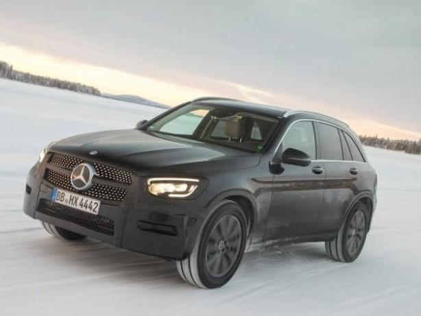 Kompaktes SUV: Mercedes bereitet Modellpflege für GLC vor