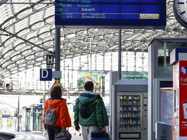 """Kurioser Tweet: Deutsche Bahn sucht """"bezaubernde Dame"""""""