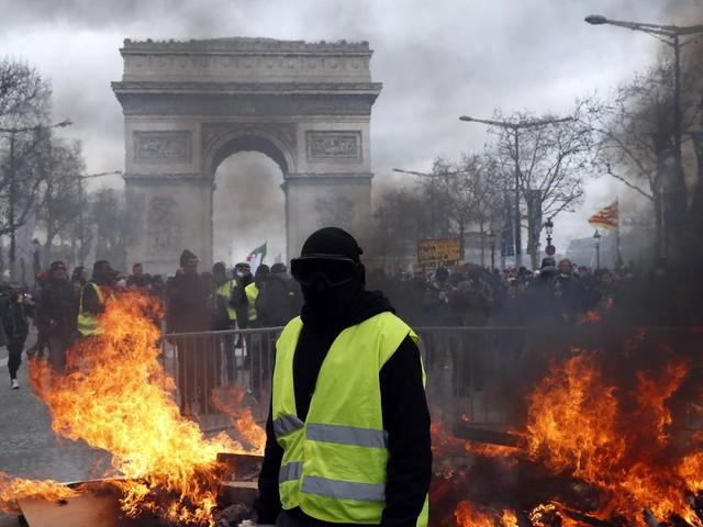 Ausschreitungen bei Gelbwestenprotesten: Pariser Polizeipräfekt wird nach Krawallen abgesetzt