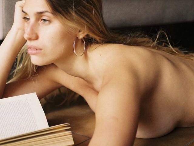 'Read Me A Story' – Model Valentina Sardella by Micaela Etchevers
