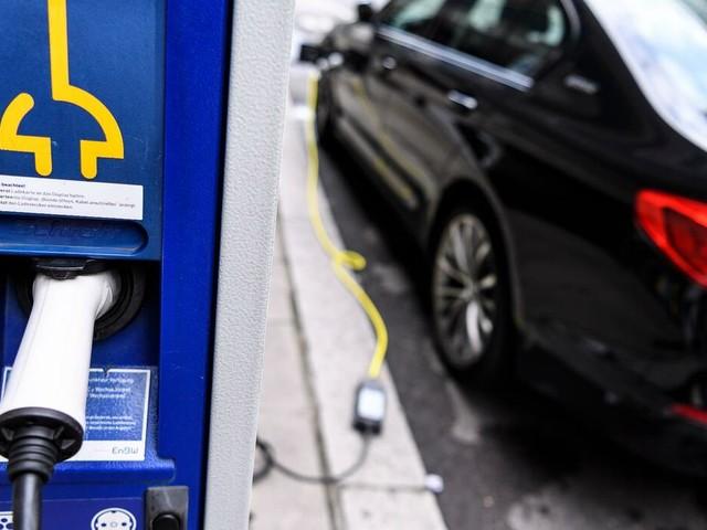 Elektroautos: Deutlicher Anstieg bei Zahl der Ladepunkte für E-Autos