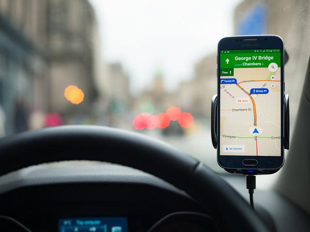 Google Maps im Auto: Gewaltiger Vorteil lässt Navi-Herstellern kaum ein Chance