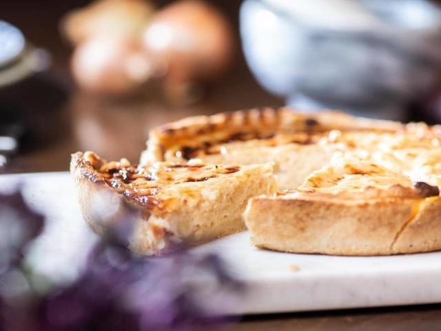 Vielseitiger Klassiker: Zwiebelkuchen schmeckt auch mit Obst