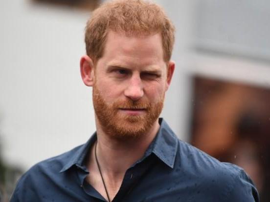 Prinz Harry: Dem Vergessen preisgegeben! Streicht ihm die Queen das Erbe?