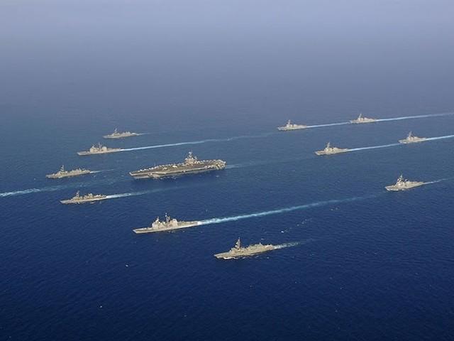 Alle US-Flugzeugträger zu Hause, ausser einer