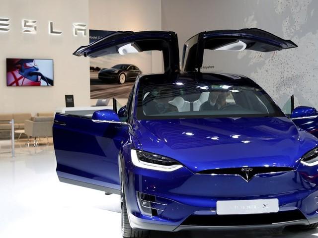 """US-Behörde kritisiert den Autopiloten von Tesla vor neuem Betatest als """"irreführend"""""""