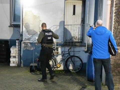 Schwerpunkt im Raum Köln: Hunderte Polizisten im Einsatz gegen irakische Rocker
