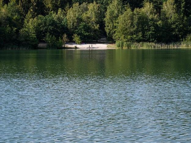 Niedersachsen und NRW: Zwei Mädchen kommen bei Badeunfällen ums Leben