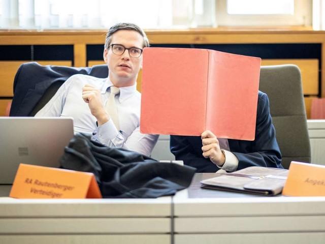 Amtsgericht in Essen: Tödlicher Unfall bei Tempo 286 - Fahrer erhält Bewährungsstrafe
