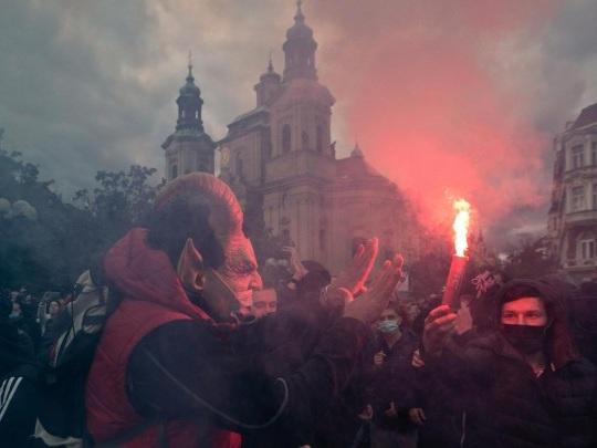 Tschechien - Ausschreitungen bei Protesten gegen Corona-Auflagen