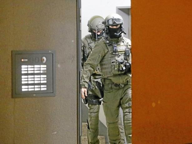 Razzia: Terrorverdacht: Staatsschutz durchsucht Wohnungen in Düren