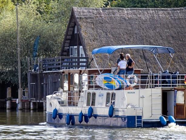 Corona-Krise: Wo gibt es noch freie Plätze für einen Hausboot-Urlaub?