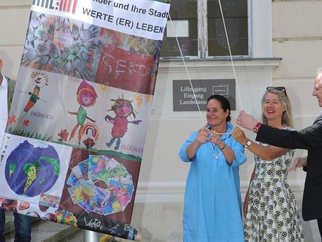 Ausstellung im Stadtzentrum: Krems durch Kinderaugen sehen