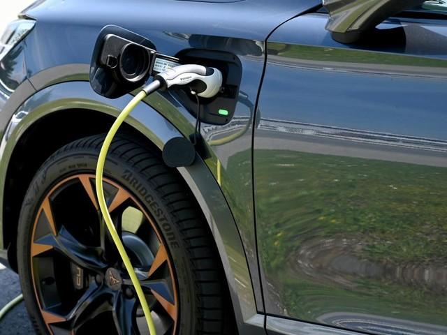 Studie: E-Autos über Lebensspanne weit umweltfreundlicher als Verbrenner