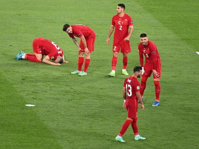 "EM-Eröffnungsspiel: ""Noch nie so schlecht"": Harte Kritik an Türkei"