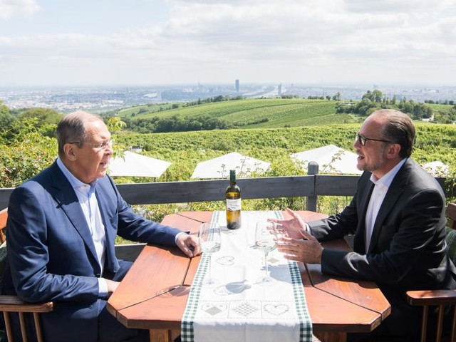 """Lawrow in Wien: """"Dann kommen sie doch auf die Krim und schauen selbst"""""""