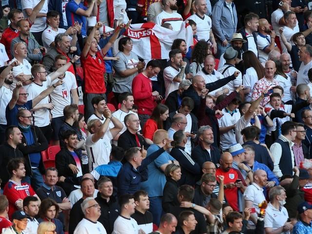EM-News: Unsportliche Aktion der England-Fans schon vor dem Anpfiff +++ Das sagt der Mailand-Trainer zu Eriksens Zukunft