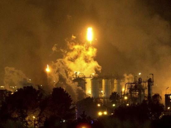 Explosion in Spanien: Dramatische Bilder! Tote und Verletzte bei Chemieunfall