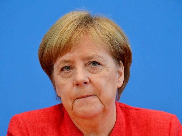 Sommerpressekonferenz: Merkel hat sich Seehofers Attacken gemerkt