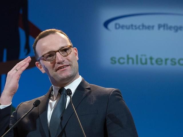 Über 120.000 Unterstützer - Er soll einen Monat von Hartz IV leben: Jetzt antwortet Spahn auf populäre Petition
