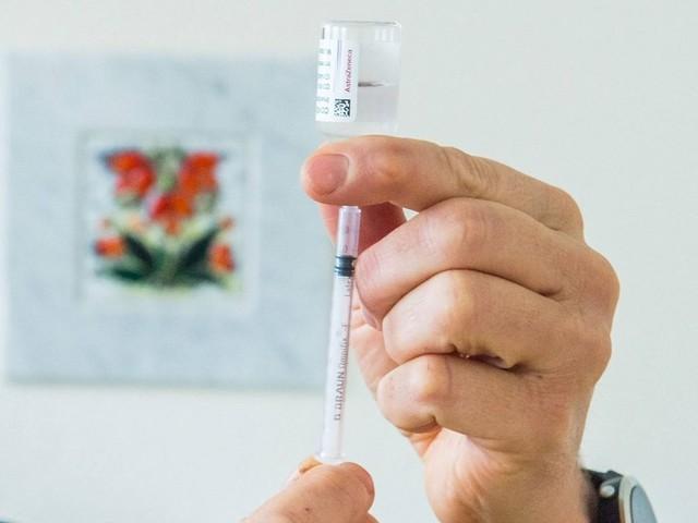 An meine Haut lasse ich nur Wasser und Biontech: Arzt kritisiert wählerische Impflinge
