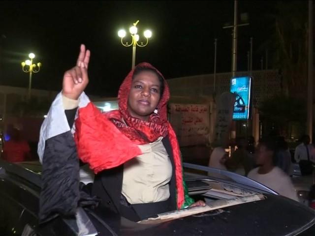 Video: Militär und Opposition im Sudan einigen sich auf Übergangsregierung