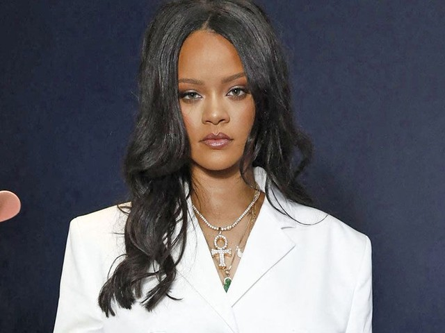 Rihanna präsentiert erstmals ihre eigene Mode-Kollektion