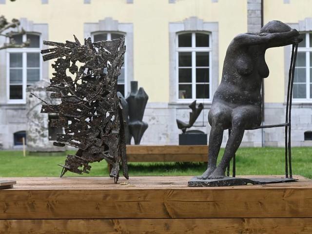 Open-Air-Ausstellung: Skulpturen zwischen Himmel und Erde