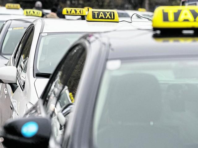 Auf Wiens Straßen herrscht ein Mangel an Taxi- und Uber-Lenkern