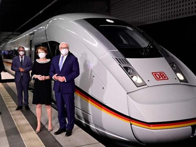 900 Fahrgäste in einem Zug: Beginn des Sommerfahrplans: Deutsche Bahn führt neuen XXL-ICE ein
