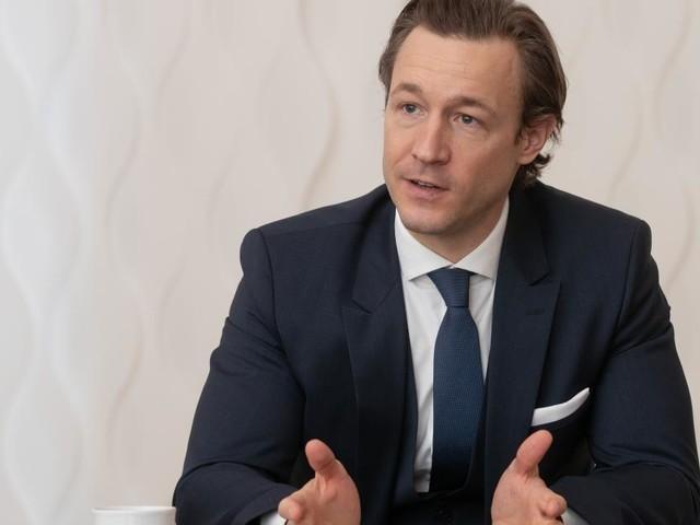 Nach Rekorden: Blümel will Steuergerechtigkeit im Onlinehandel