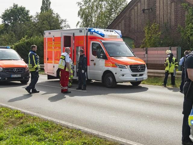 Hubschrauber im Einsatz : Bluttat in Moers mit mehreren Verletzten