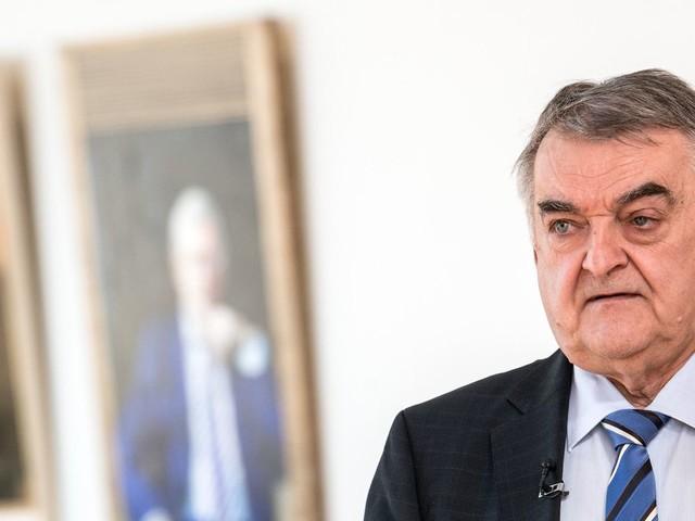Nordrhein-Westfalen: Drei Verdächtige nach Tumult vor Haus von Herbert Reul identifiziert