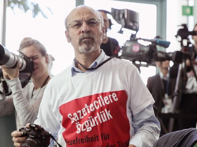 Nach Protestaktion: Deutschland will Erdoğan-kritischen Journalisten ausweisen