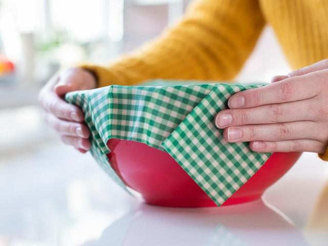 Küchen-Gadgets: Bienenwachstücher: Nachhaltig verpacken – doch es gibt einen kleinen Haken
