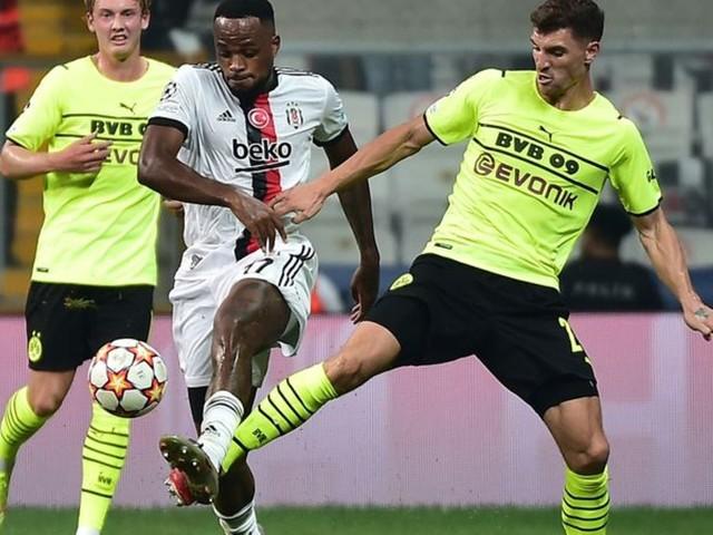 Champions League: Wappen kaum sichtbar: Puma entschuldigt sich nach Ärger um BVB-Trikots