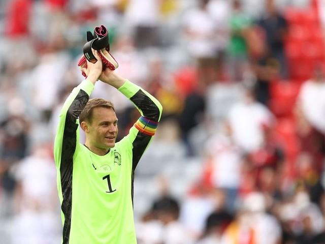 Regenbogen fordert UEFA heraus - EM-Stadion wird nicht bunt