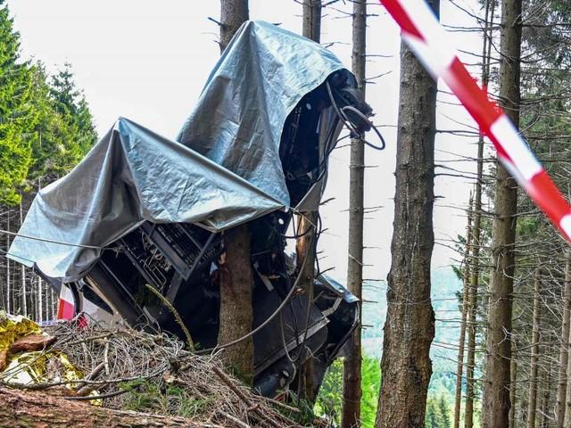 Nach Seilbahnunglück in Italien soll abgestürzte Gondel entfernt werden
