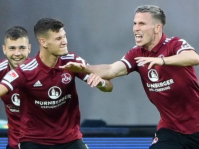 2. Liga: Club klettert auf Rang drei - Schanzer feiern ersten Saisonsieg