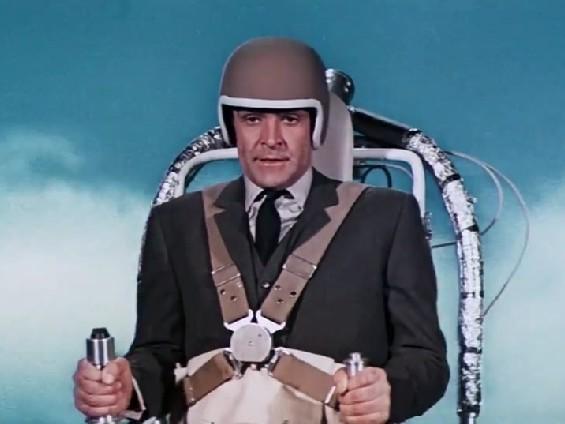 007 #4 | FEUERBALL (1965) mit dem Jetpack fliegenden James Bond