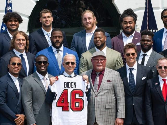 NFL-Champion zu Gast bei US-Präsident: Biden empfängt Buccaneers im Weißen Haus