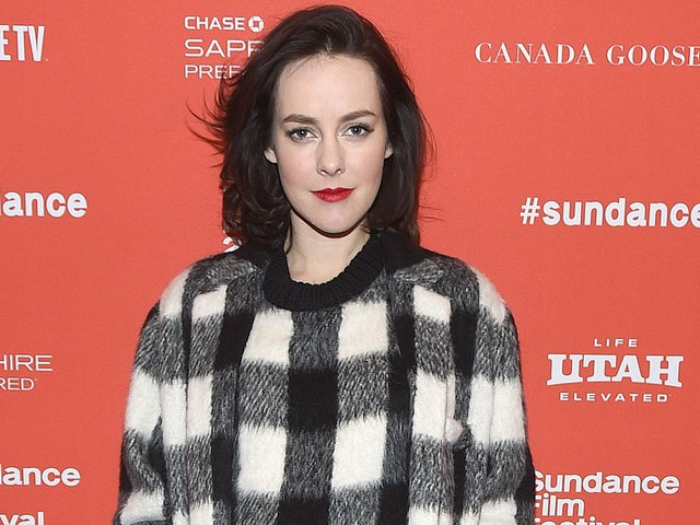 Jena Malone Debuts Her Precious Baby Bump on the Red Carpet at Sundance