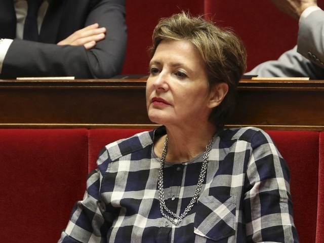 """""""On a le sentiment d'être sur le Titanic"""" : une députée quitte la Macronie en la dézinguant sévèrement"""