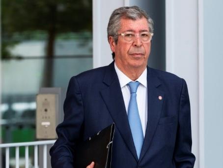 """L'entente cordiale au procès Balkany: """"Il n'y a pas de corruption"""""""
