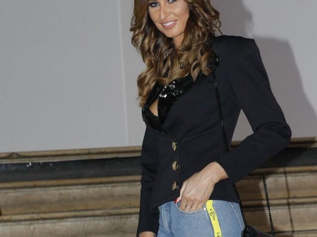 Malika Ménard : Modeuse décontractée à la Fashion Week, avec Hapsatou Sy