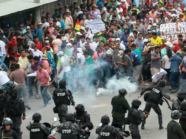 Bolivie: affrontements entre partisans et opposants du président Evo Morales